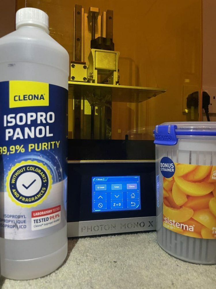 How to Dispose of Resin - Isopropyl Alcohol & Resin Mix 1 - 3D Printerly