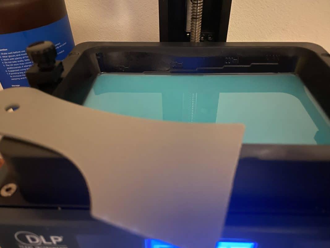 How to Fix Resin 3D Prints That Split or Crack - Scraper for Resin Vat - 3D Printerly